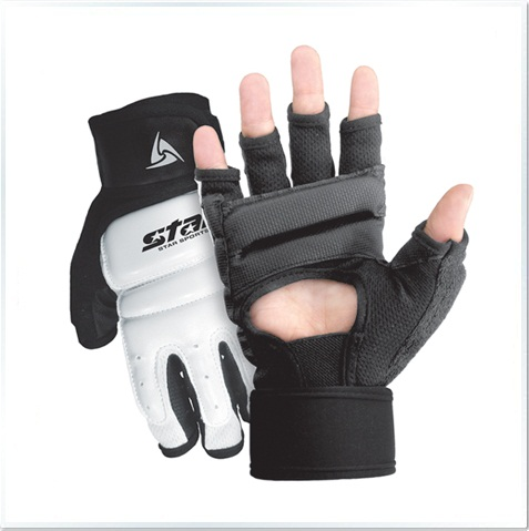AD700 Gloves